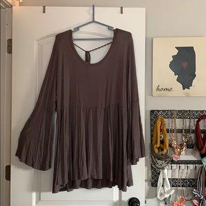 Rue21 gray peplum butterfly sleeve t-back blouse